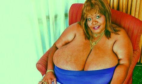 A világ legnagyobb mellű nője (annie, guiness rekord, )