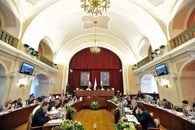 Fővárosi közgyűlés (fővárosi közgyűlés)