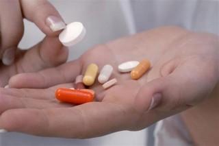 Gyogyszer(1)(5)(960x640).jpg (gyógyszer, orvosság, pirula, gyógyszertár, egészségügy, )