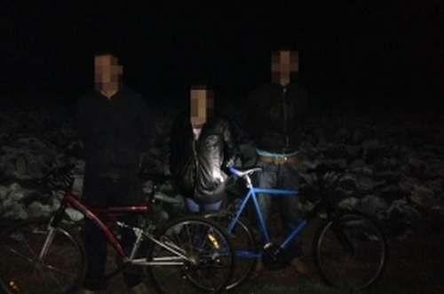 Illegális bevándorlók biciklivel (Illegális bevándorlók biciklivel)