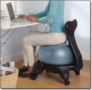 Labda kerekeken (ergonomikus,)