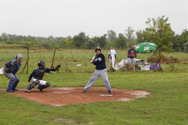 bb2(650x433).jpg (baseball)