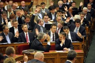 fidesz-frakcio(i)(960x640)(2).jpg (parlament, fidesz frakció)