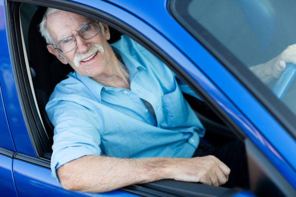idős sofőr (idős, sofőr)