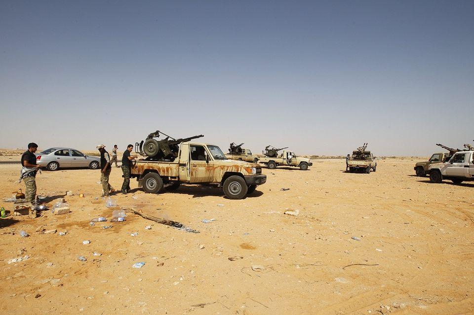 líbia fegyveresek (líbia, fegyveresek)