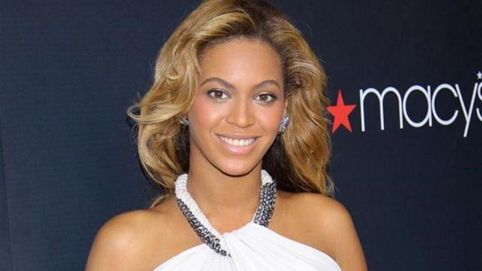 Beyonce-(2)(960x640).jpg (Beyoncé )