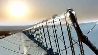 Éjjel működő naperőmű (megújuló energia, naperőmű, )