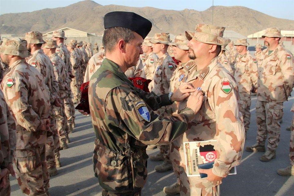 Kabuli-repuloter(960x640).jpg (kitüntetés, katona, )