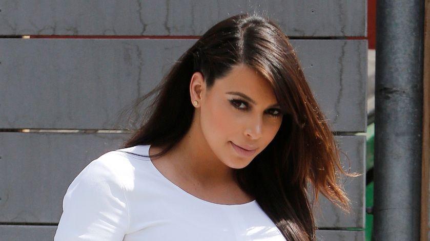 kim kardashian (kim kardashian, )
