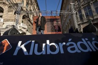 Klubradio-tuntetes-2012.-januar-22.(210x140)(1).jpg (Klubrádió, tüntetés, 2012. január 22.)