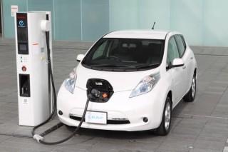 Nissan Leaf (elektromos autó,)