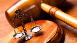 Per, bíróság, törvény (per, bíróság, törvény, ítélet, )