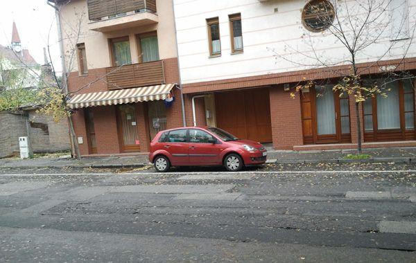 Pofátlan parkolás (parkolás, autó, )