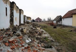 Romos házak (sitt, törmelék, romos épület, )