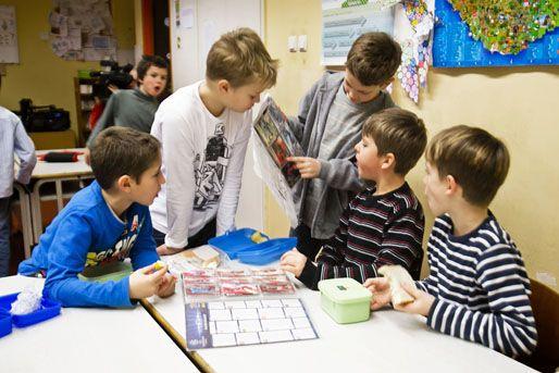 általános iskola (általános iskola, gyerek, diák, iskolás)