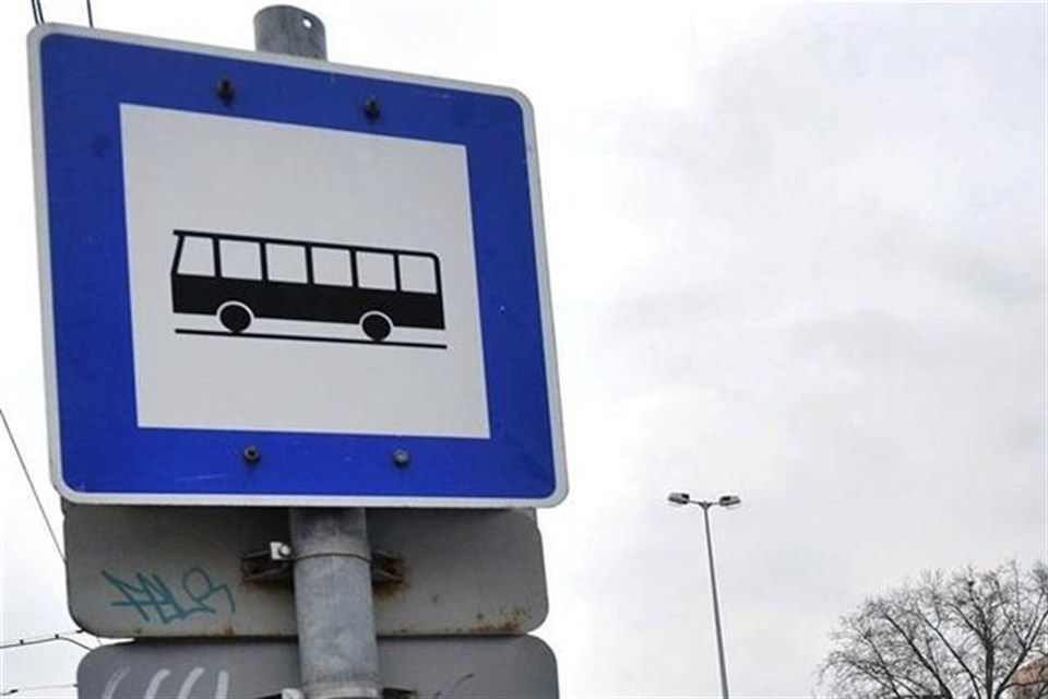 buszmegallo(3)(960x640).jpg (buszmegálló tábla, )