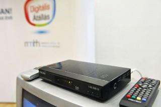 digitális átállás (digitális átállás, set top box, )