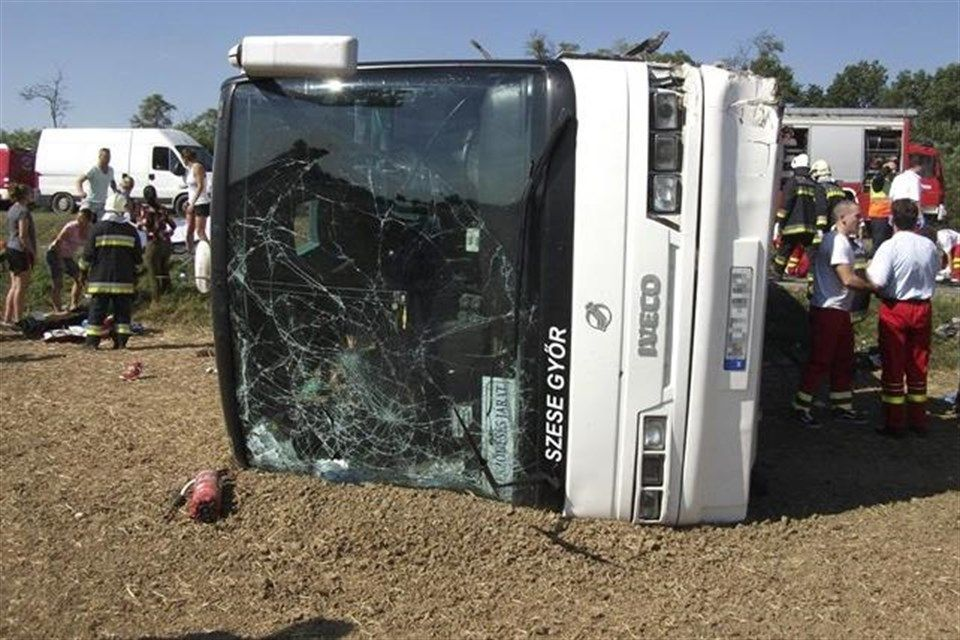 gyori-buszbaleset(1)(1)(960x640).jpg (uni győr, baleset)