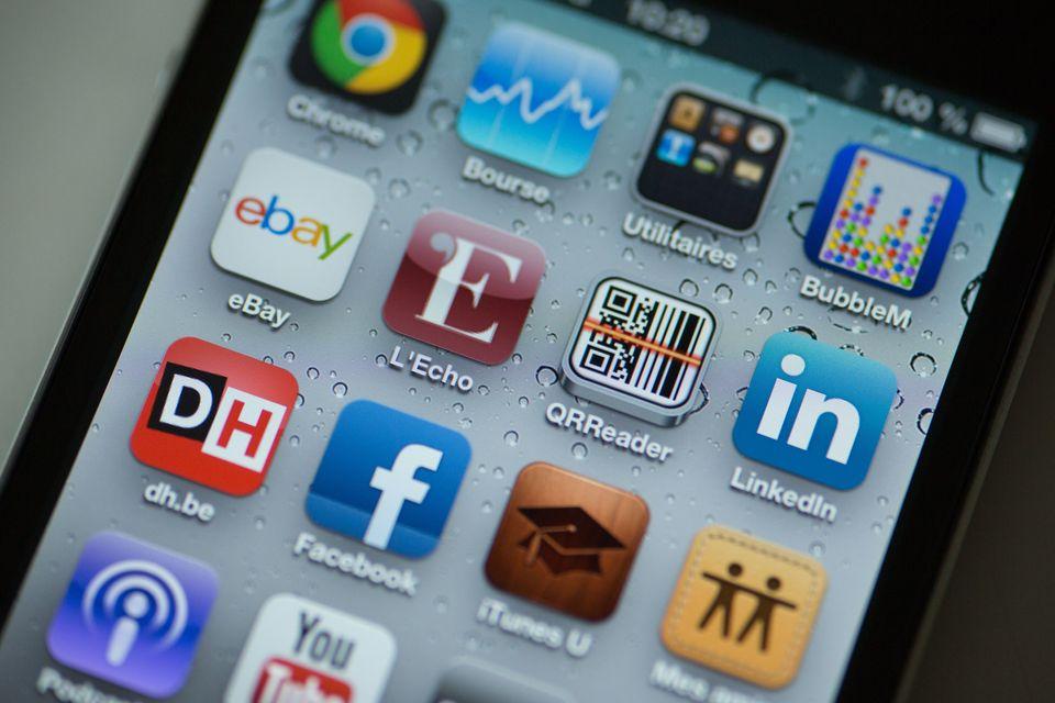 smart phone (okostelefon, facebook, )