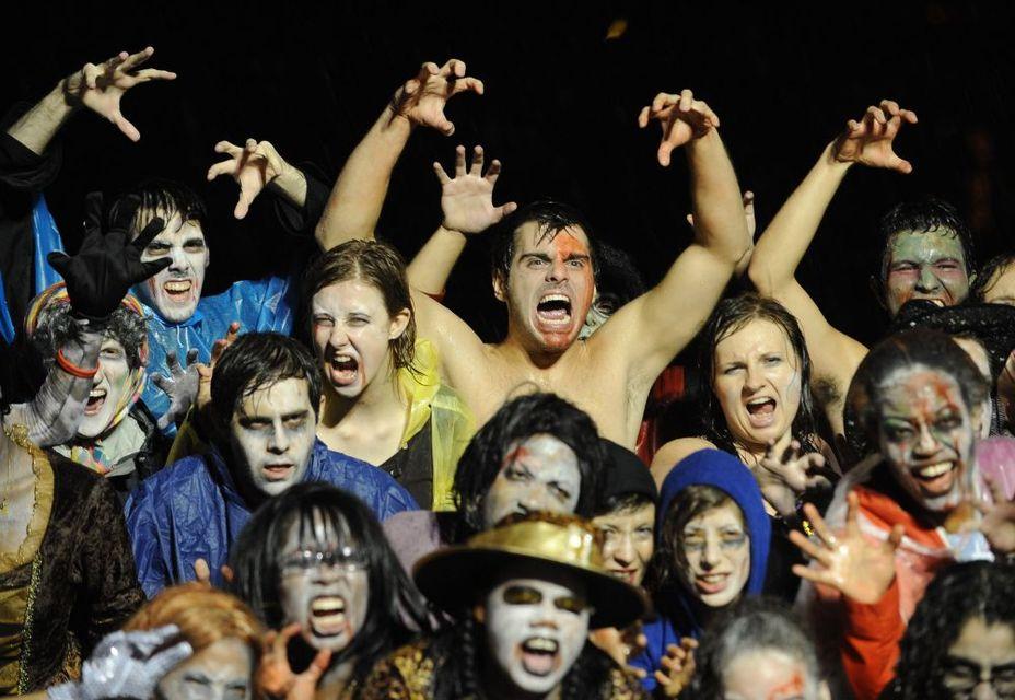 thrill the world (michael jackson, thriller, zombi)