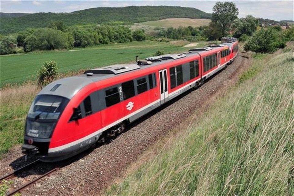 vonat(i)(1)(960x640).jpg (vonat, vasút, máv)