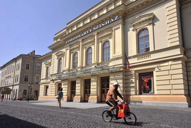 Vörösmarty Színház (vörösmarty színház, )