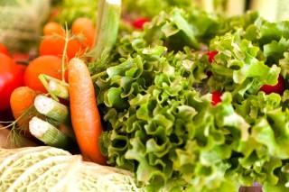 zöldségek (répa, saláta, )
