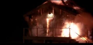 ego-haz(960x640)(2).jpg (ég, tűz, leégett, tűzoltó, )