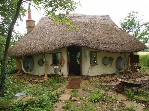 Hobbit-ház (ház, kunyhó, )
