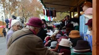 Karacsonyi-vasar-Szegeden(430x286)(1).jpg (karácsonyi vásár, )