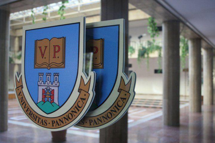 Pannon Egyetem (pannon egyetem, )