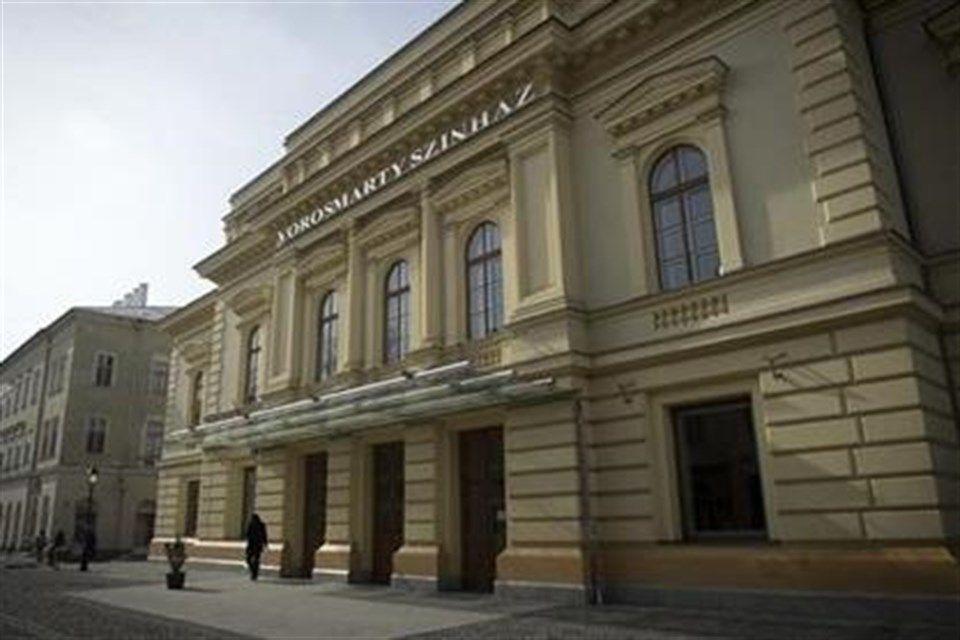 Vorosmarty-Szinhaz(1)(960x640).jpg (vörösmarty színház, )