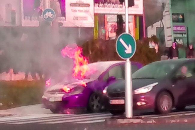 autó égett budapesten (autó égett budapesten)