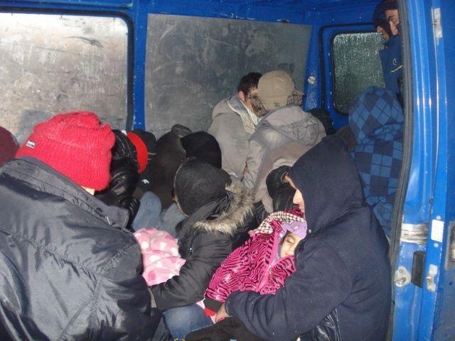 embercsempészet (embercsempész, menekültek)