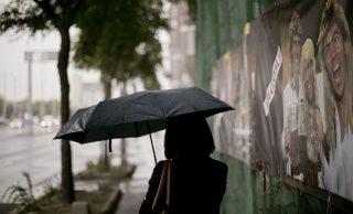 esos-az-ido(210x140)(1).jpg (eső, időjárás, esernyő, )