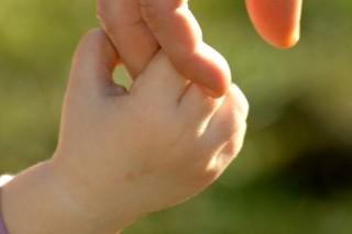 gyermekkéz (gyerekkéz, kéz, )