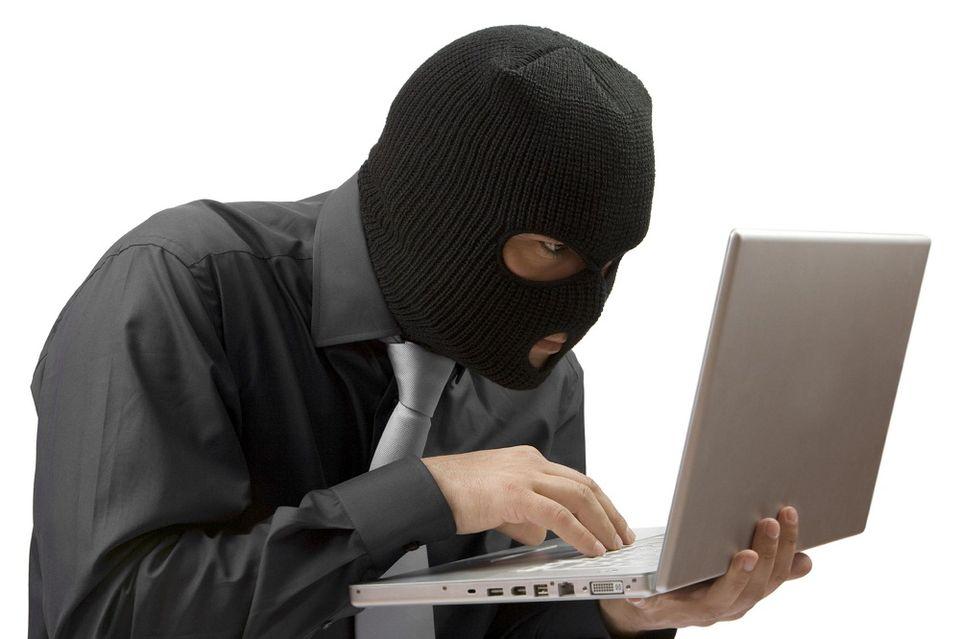 hacker(960x640)(2).jpg (hacker, csaló)