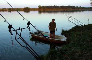 horgásztó (horgásztó)