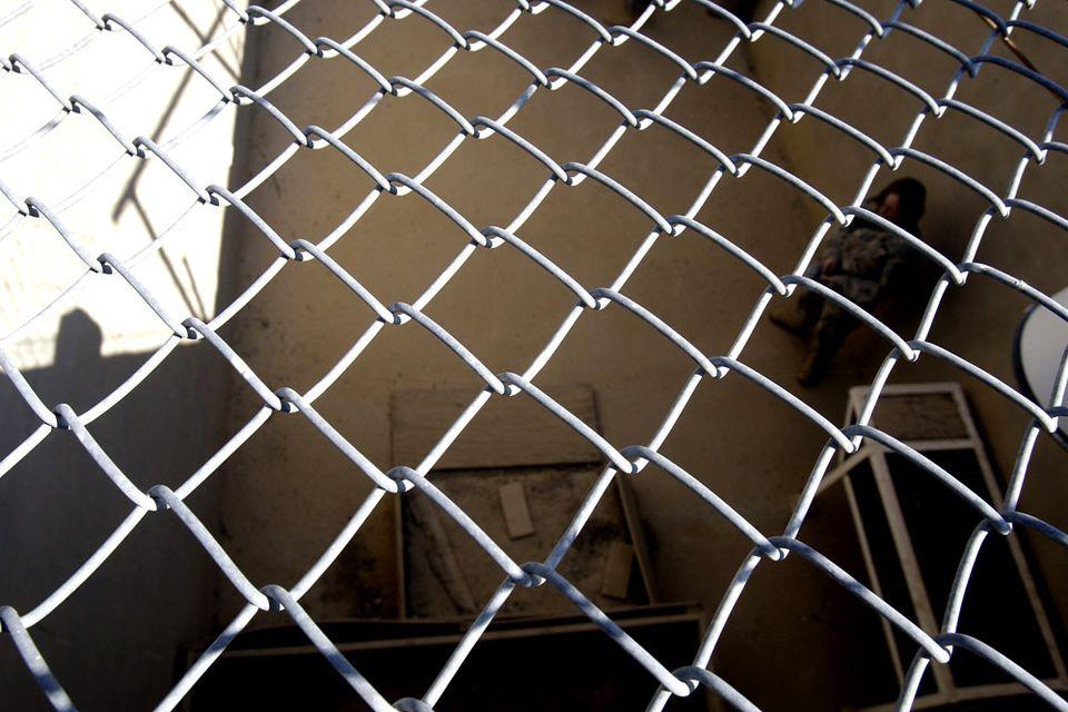 iraki-borton(960x640)(2).jpg (iraki börtön, rács, )