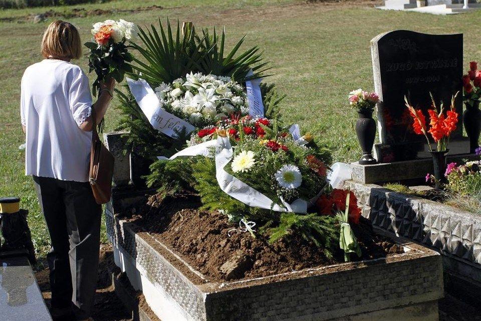 kazincbarcikai-mumia-temetese(960x640)(2).jpg (holttest, temetés, )