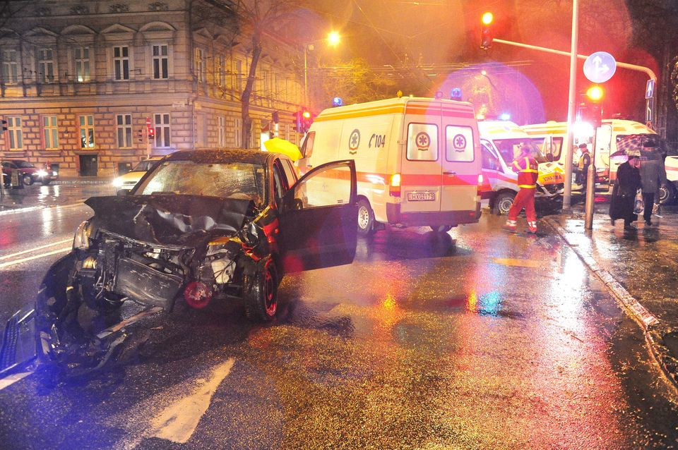 mentobaleset-a-Dohany-utcaban(960x640)(1).jpg (baleset, )