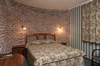 szallodai-szoba(960x640)(2).jpg (szállodai szoba)