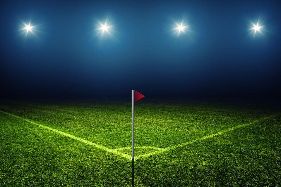 szöglet, foci, (foci, szöglet, )