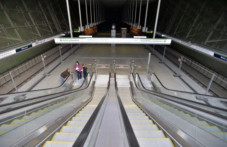 4-es metró (4-es metró)