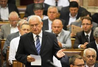 Harrach Péter KDNP frakcióvezető (fidesz - kdnp, egyéni képviselőjelölt, harrach péter, vác, )