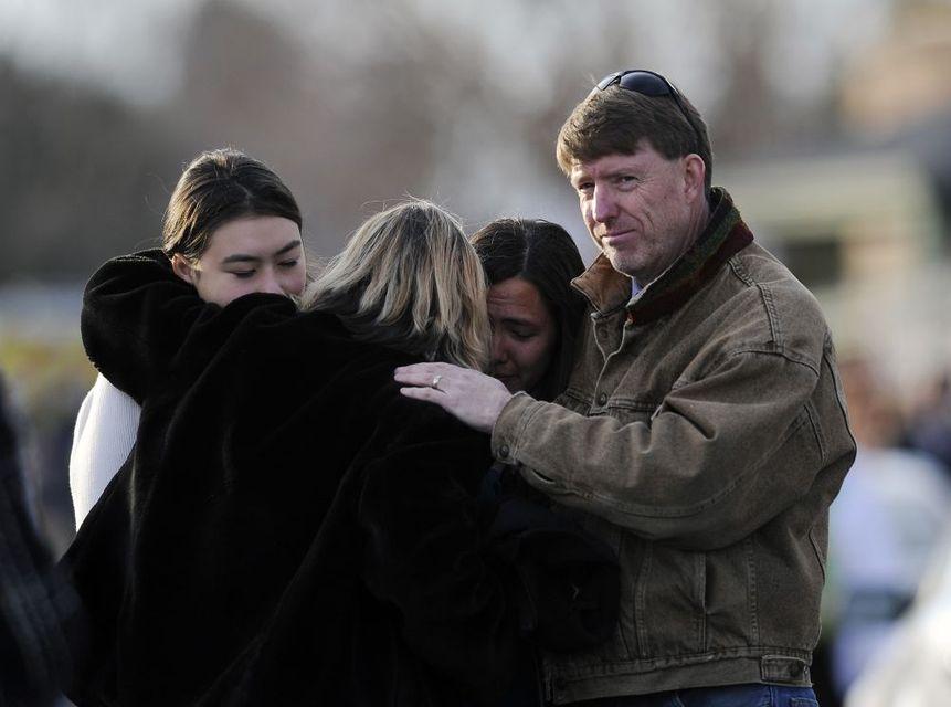 Lövöldözés Coloradóban (lövöldözés, iskolai lövöldözés, )