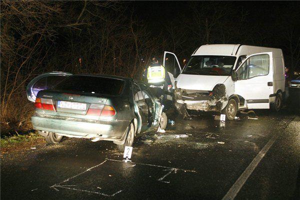baleset kiskovácsinál (baleset, karambol, összetört autók, )