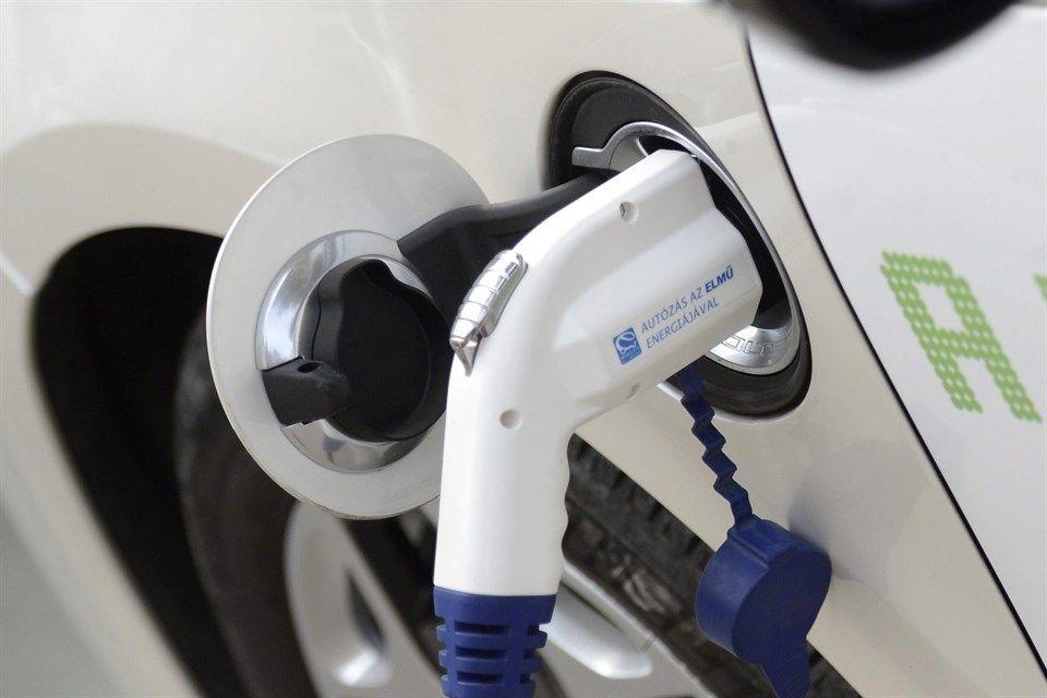 elektromos-auto(960x640)(1).jpg (elektromos autó, )