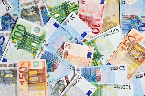 euró (forint, euró, dollár)