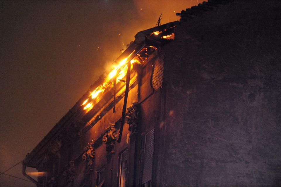 lángoló bérház (lángoló, VIII. kerület, tetőszerkezet)